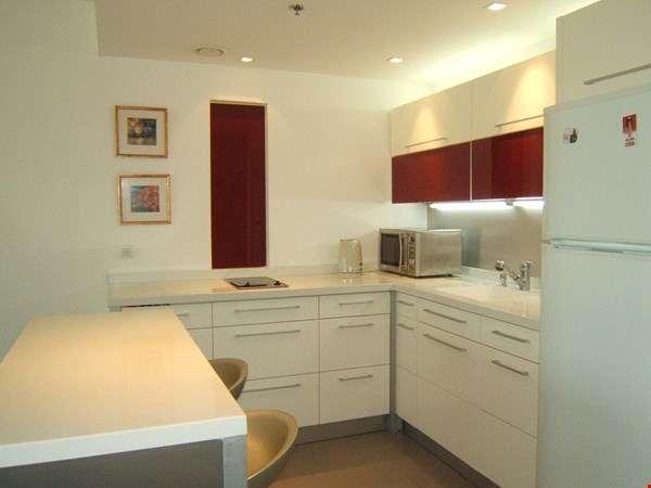 דירת 2 חדרים להשכרה במרינה, הרצליה פיתוח בפרויקט הלגונה היוקרתי